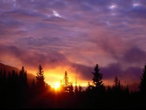 Sol abriéndose paso entre las nubes
