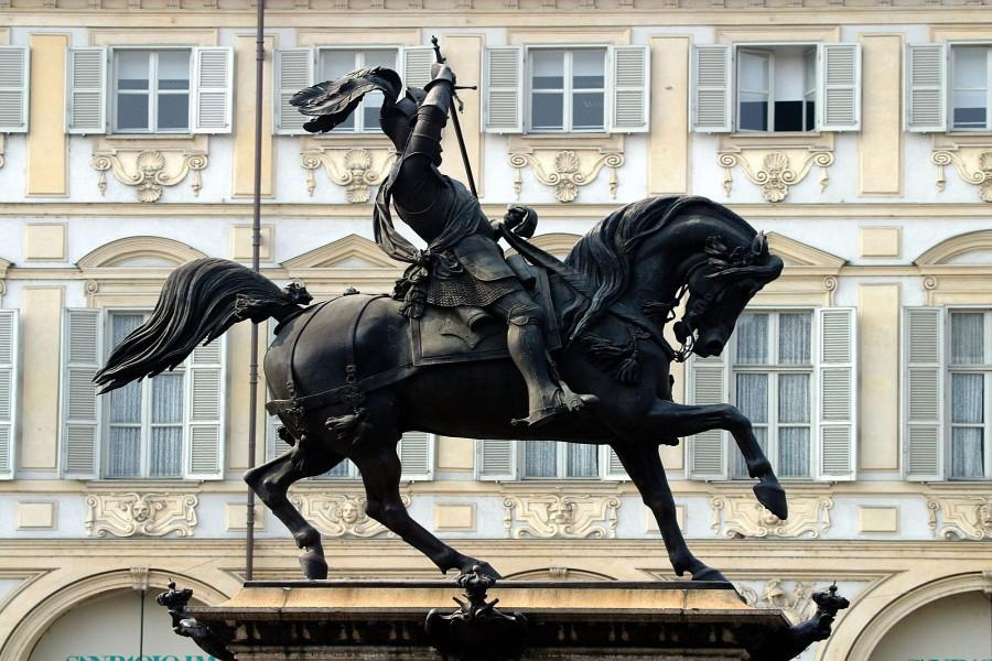 Estatua del Duque de Saboya (Plaza San Carlo, Turín)