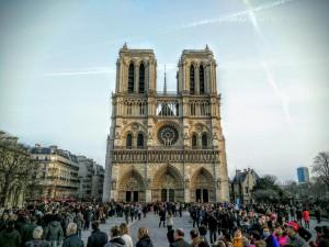 Fachada de la catedral Notre-Dame de París