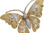 Mariposa decorada con diamantes