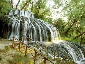 Bonita cascada en el Monasterio de Piedra (Zaragoza, España)