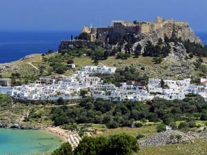 Bonita vista de Lindos (isla de Rodas, Grecia)