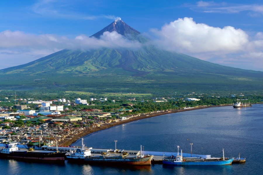 Monte Mayón y la ciudad de Legazpi (Filipinas)