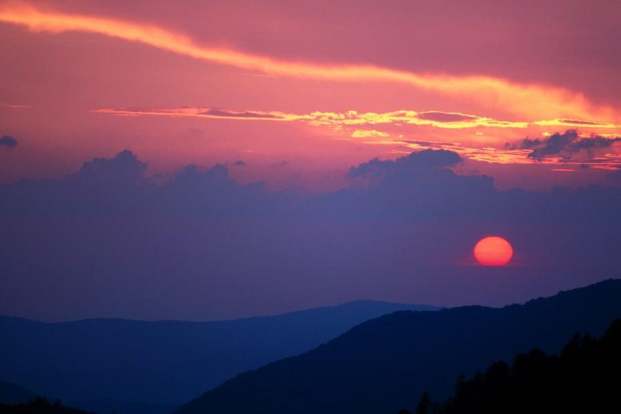 Bonito sol al amanecer