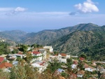 Pueblo en los montes de Troodos (Chipre)