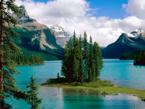 Isla Spirit, lago Maligne (Alberta, Canadá)