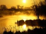 Sol reflejado en la laguna