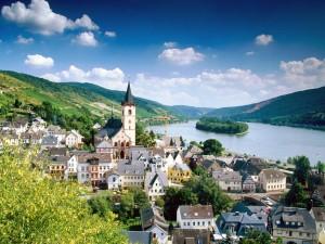 El río Rin a su paso por Lorch (Alemania)
