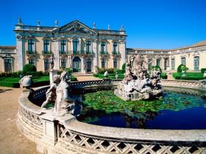 Estatuas en el Palacio de Queluz (Portugal)