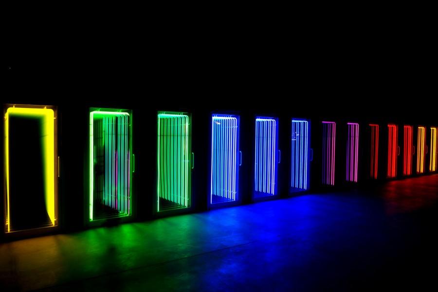 Puertas con luces de neón