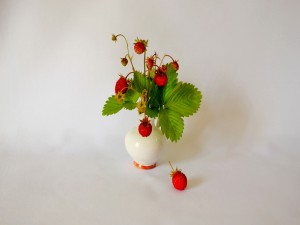 Fresas en un jarrón