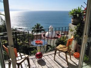 Vista del océano desde un bello balcón