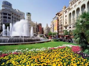 Fuente en la Plaza del Ayuntamiento de Valencia (España)