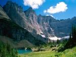 Pequeño lago en el Parque Nacional de los Glaciares (Montana)