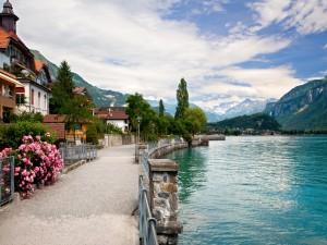 Hermosas casas junto al agua (Berna, Suiza)