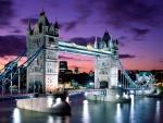 Luces en el Puente de la Torre (Londres, Inglaterra)