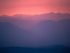Montañas vistas al amanecer