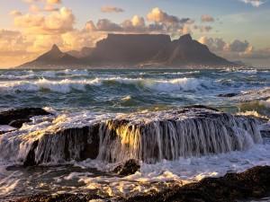Mar revuelto en ciudad del Cabo (Sudáfrica)