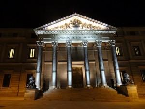 Imagen nocturna del Congreso de los Diputados (Madrid, España)