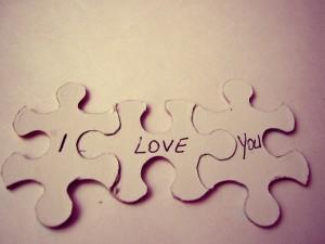 """""""Te quiero"""" en unas piezas de puzzle"""