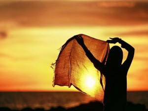 Tapando el sol con un pañuelo
