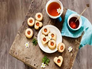 Galletas linzer rellenas de mermelada