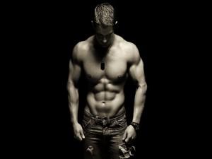 Un chico musculado