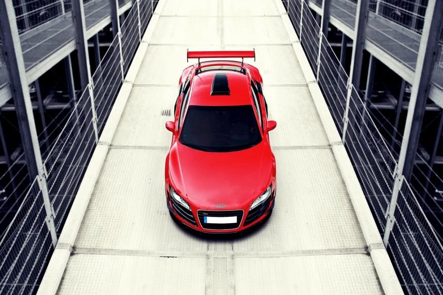 Un Audi R8 de color rojo