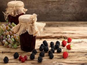 Mermelada casera de frutos rojos