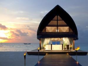 Noche de ensueño en un bungalow de la isla Maldivas