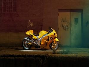 Suzuki Hayabusa amarilla