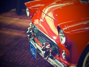 Frontal de un bonito coche clásico