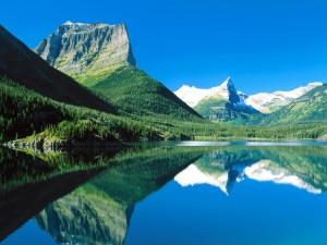 Lago Saint Mary en el Parque Nacional Glacier (Montana)