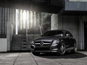 Un elegante Mercedes Benz CLS