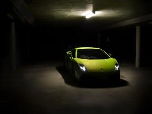 Lamborghini Gallardo en un garaje