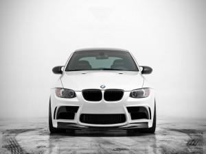 Un BMW blanco