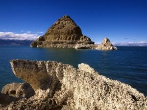 Formación de toba calcárea en el lago Pirámide (Nevada)
