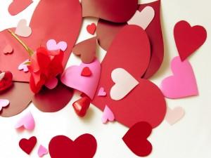 Corazones y una  rosa para San Valentín