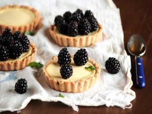 Mini tartas de queso y moras