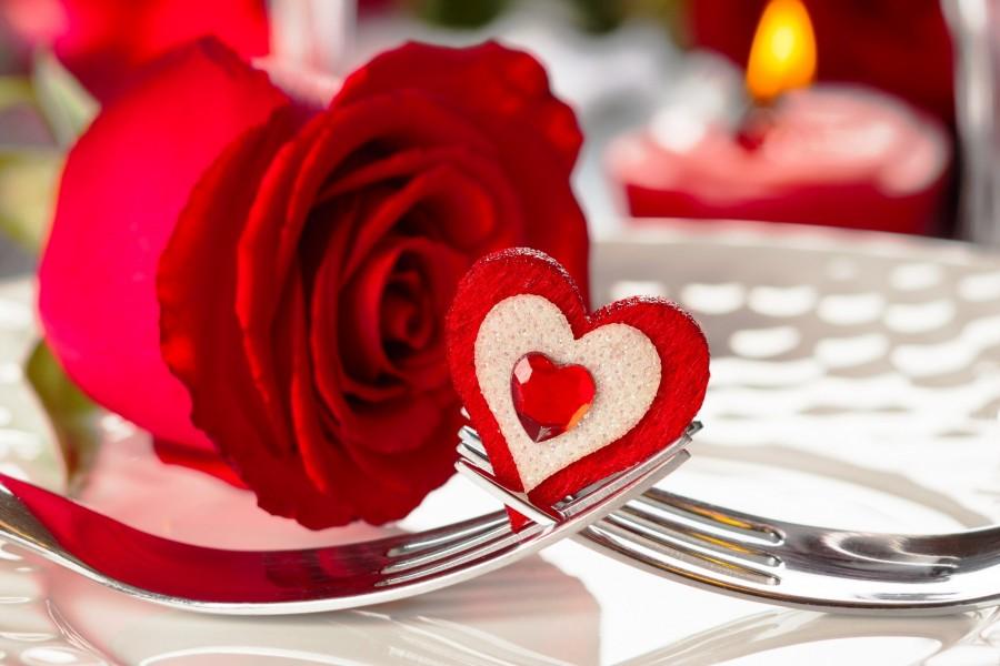 Corazón entre dos tenedores