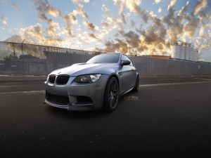 Un BMW M3 de color gris
