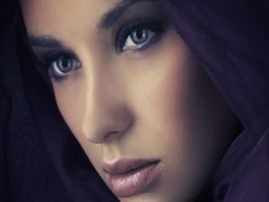 El rostro de una hermosa mujer