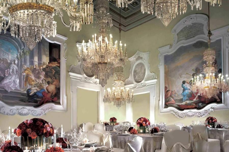 Pinturas en un restaurante de lujo