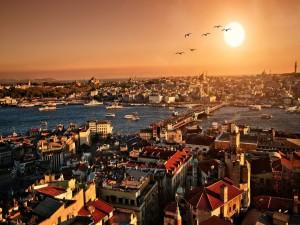 Vista de la ciudad de Estambul a la salida del sol