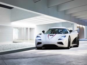 Koenigsegg Agera R de color blanco