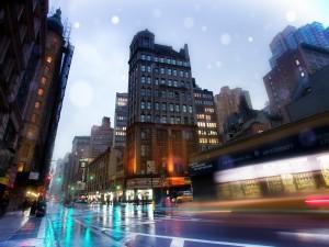 Calle lluviosa en Nueva York