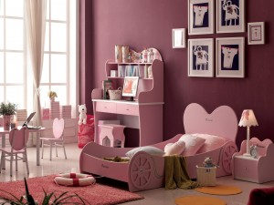 Hermosa habitación rosa para una niña