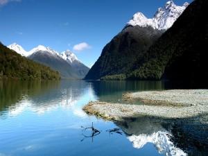 Tranquilidad en un lago de Nueva Zelanda