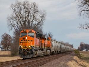 Locomotora con varios vagones