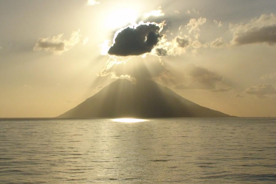 Sol tapado por una nube